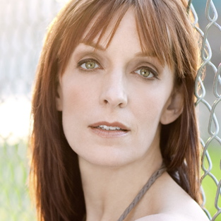 """Welcome to My Apartment"" – sung by Julia Murney"